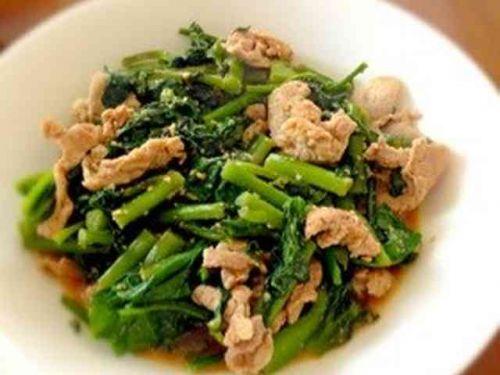 つるむらさきを使ったレシピ:豚肉とつるむらさきのゴマ炒め