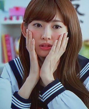 セクシーで女性らしい小嶋陽菜さんのメイク画像集!