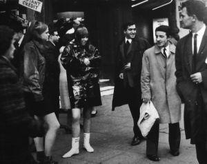 日本にミニスカートがやってきた!ファッションに革命が起きた60年代