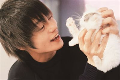 ギャップがたまらない!大ブレイク俳優窪田正孝の可愛い笑顔の画像